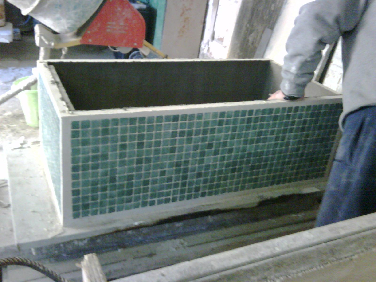 Vasi da esterno in cemento vasi illuminati per esterno for Mobili acquario prezzi